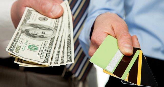 Что выгоднее кредит или кредитная карта: достоинства и недостатки займа